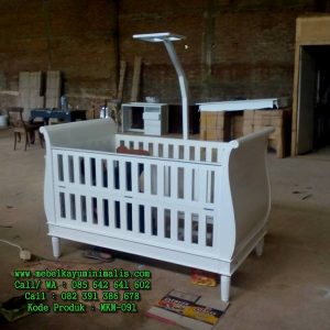 Tempat Tidur Bayi Minimalis Putih
