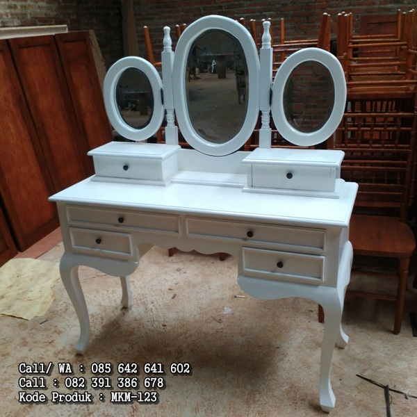 Meja Rias Warna Putih Duco Klasik MKM-123