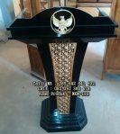 Podium Pidato Lambang Garuda