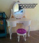 Meja Rias Minimalis Ukiran Warna Putih