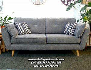 Kursi Sofa Santai Keluarga Depan TV
