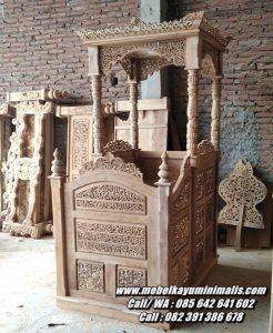 Mimbar Masjid Jepara Ukir Kaligrafi